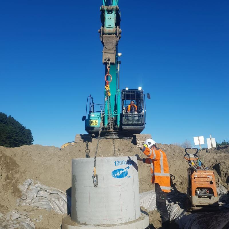 Thomas working hard on the Peka Peka to Otaki Expressway project.